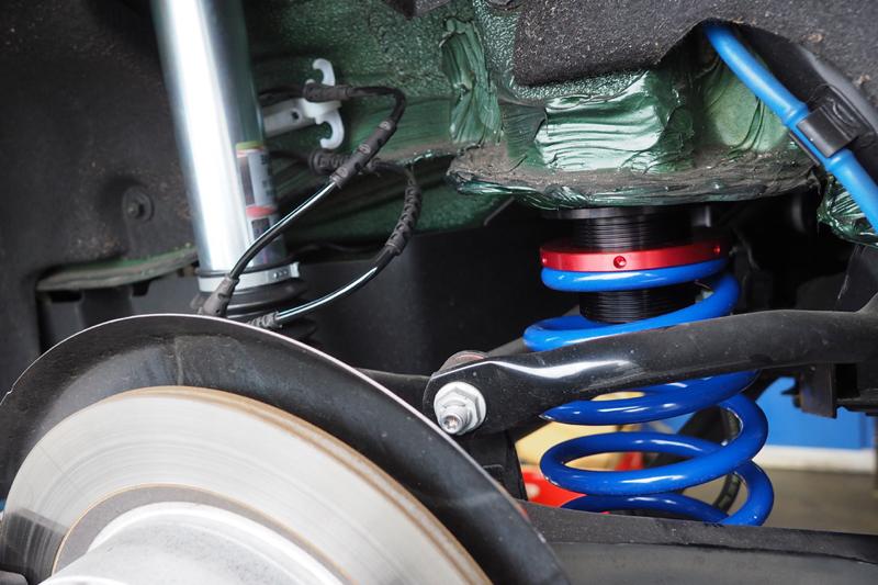 ボンドガレージ MINI F55 ミニ SACHS PERFORMANCE パフォーマンスコイルオーバー ザックス 車高調整