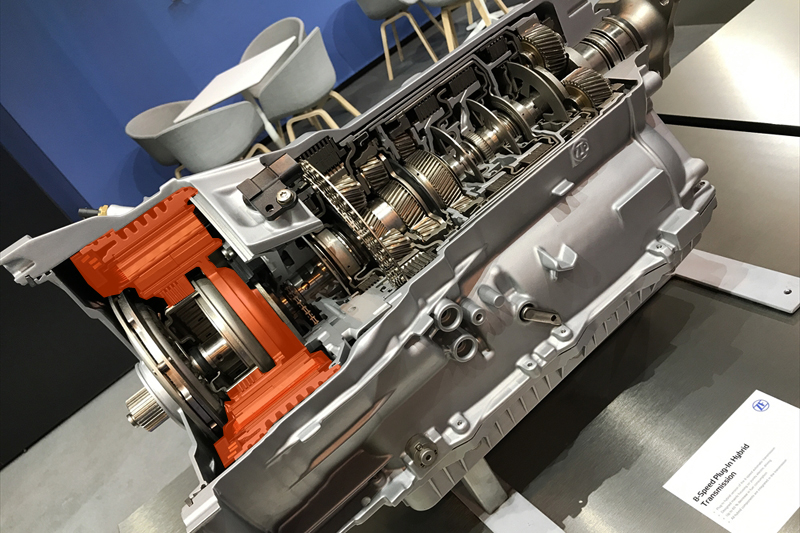 ZF 8SPEED PULG IN YHBRID